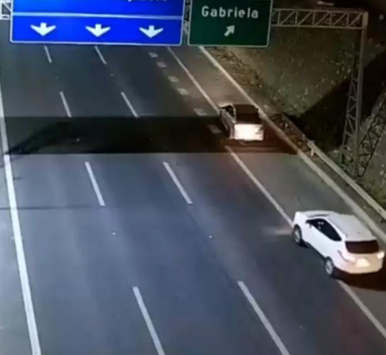 智利警方加强高速公路的巡逻 减少犯罪行为的发生