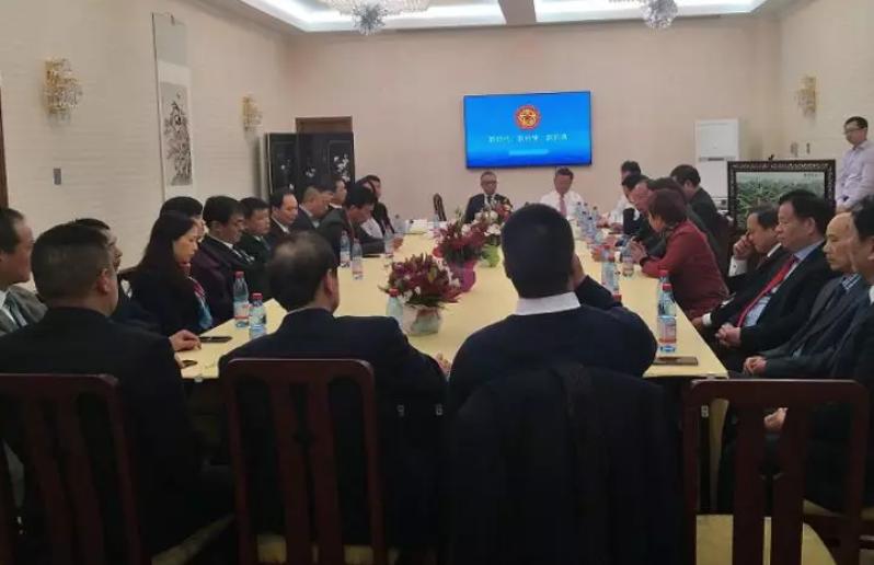 驻智利大使徐步:希望侨胞正确利用中智友谊 多做中国正面形象的事