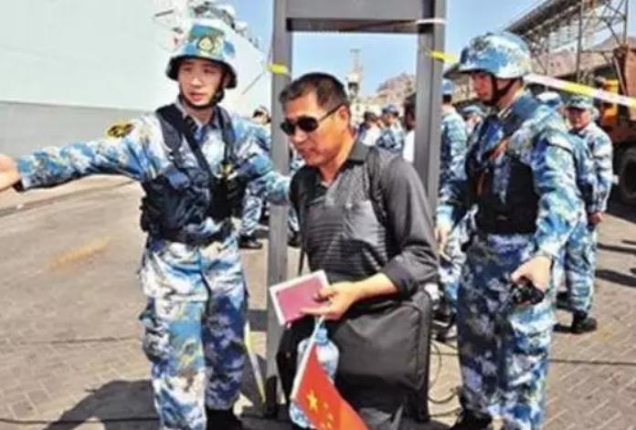 各国军政官员参加驻智使馆 庆祝中国人民解放军92周年活动