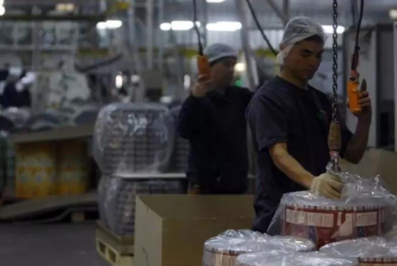 智利为经合组织工作时间最长的国家之一