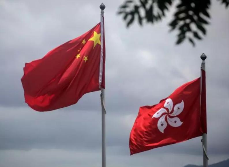 """智媒:美国总统特朗普称中国如希望达成贸易协定 应先""""人道""""对待香港"""