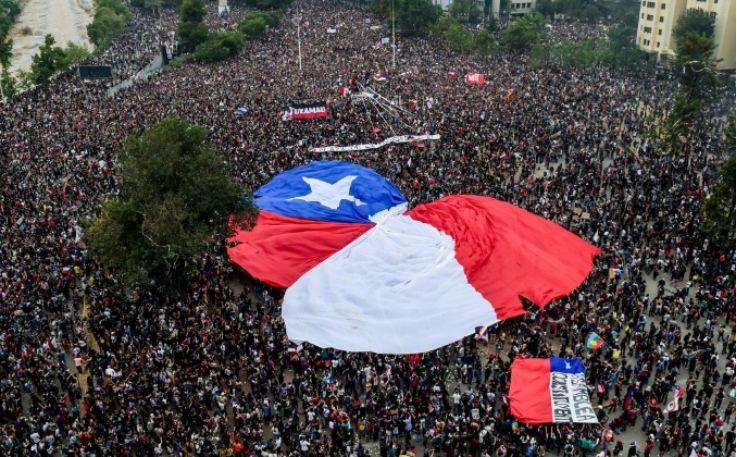 智利学生拒绝接受关于新宪法的协议