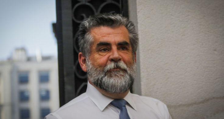 智利内政部副部长Rodrigo Ubilla向总统递交请辞