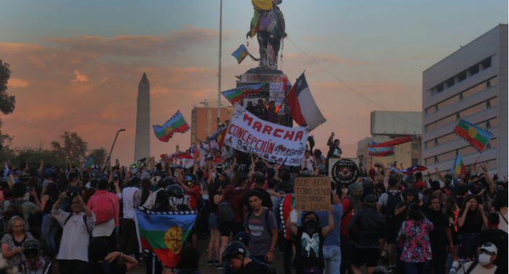 智利社会动乱被捕2.2万多人 受伤3600多人
