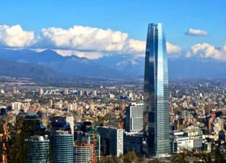 """诺贝尔经济学奖获得者关于智利社会危机:""""反对GDP来评价经济"""""""