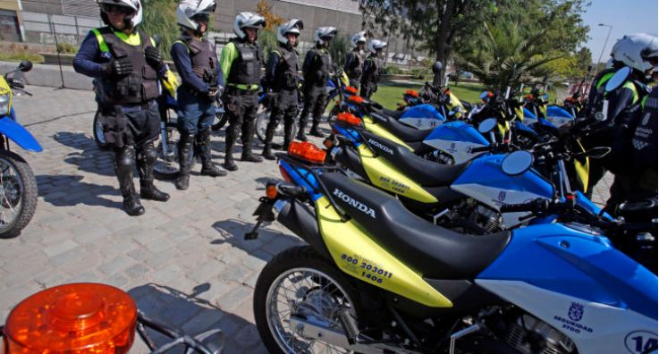 圣地亚哥市政府展示晚间巡逻队,将在案件多发区进行巡逻