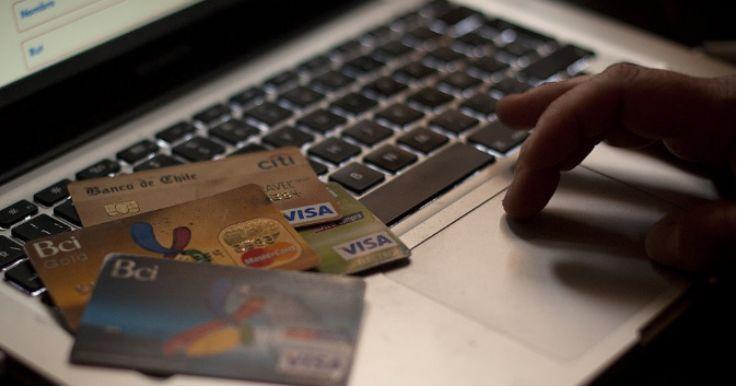 """""""旅游与娱乐"""" 是 网络销售中最受到影响的商品"""
