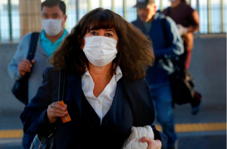 智利政府制定核酸检测费用 市民反映口罩和酒精大幅度上涨