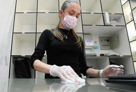 智利疫情:54.9%的人选择健康优先于经济 更倾向于完全隔离