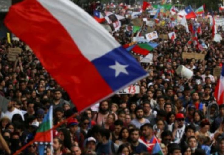 调查显示超过半数的智利人反对游行