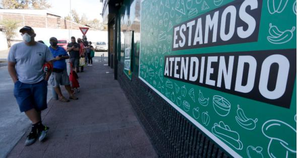 """智利确诊12306例 """"如果不复工 国家会陷入另一场更为残酷的危机"""""""