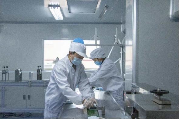 协侨部:将有1000万只超值口罩投放智利 智利确诊感染病例累计3737例