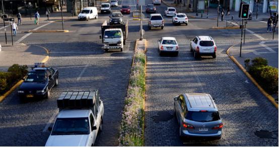 圣地亚哥是拉丁美洲城市中 疫情原因车流量波动较小的首都