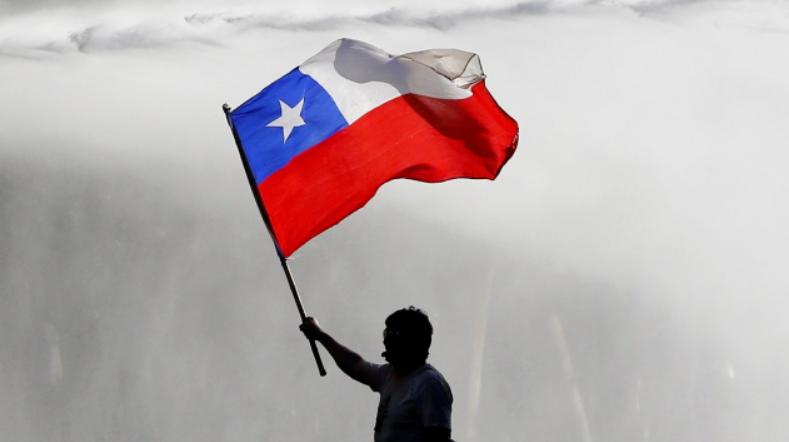 智利总统宣布 修宪议会在7月4日开幕